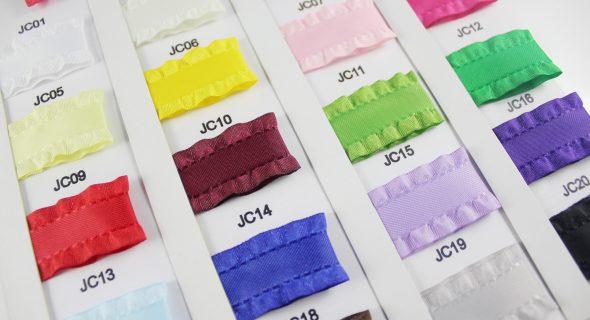 緞帶、織帶、裝飾織品、成衣輔料、荷葉邊緞帶、印刷帶、轉印帶、格子帶、金蔥帶、銀蔥帶、手拉花。